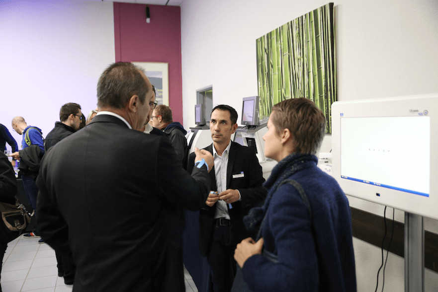 Organisation salon contemporain Essilor